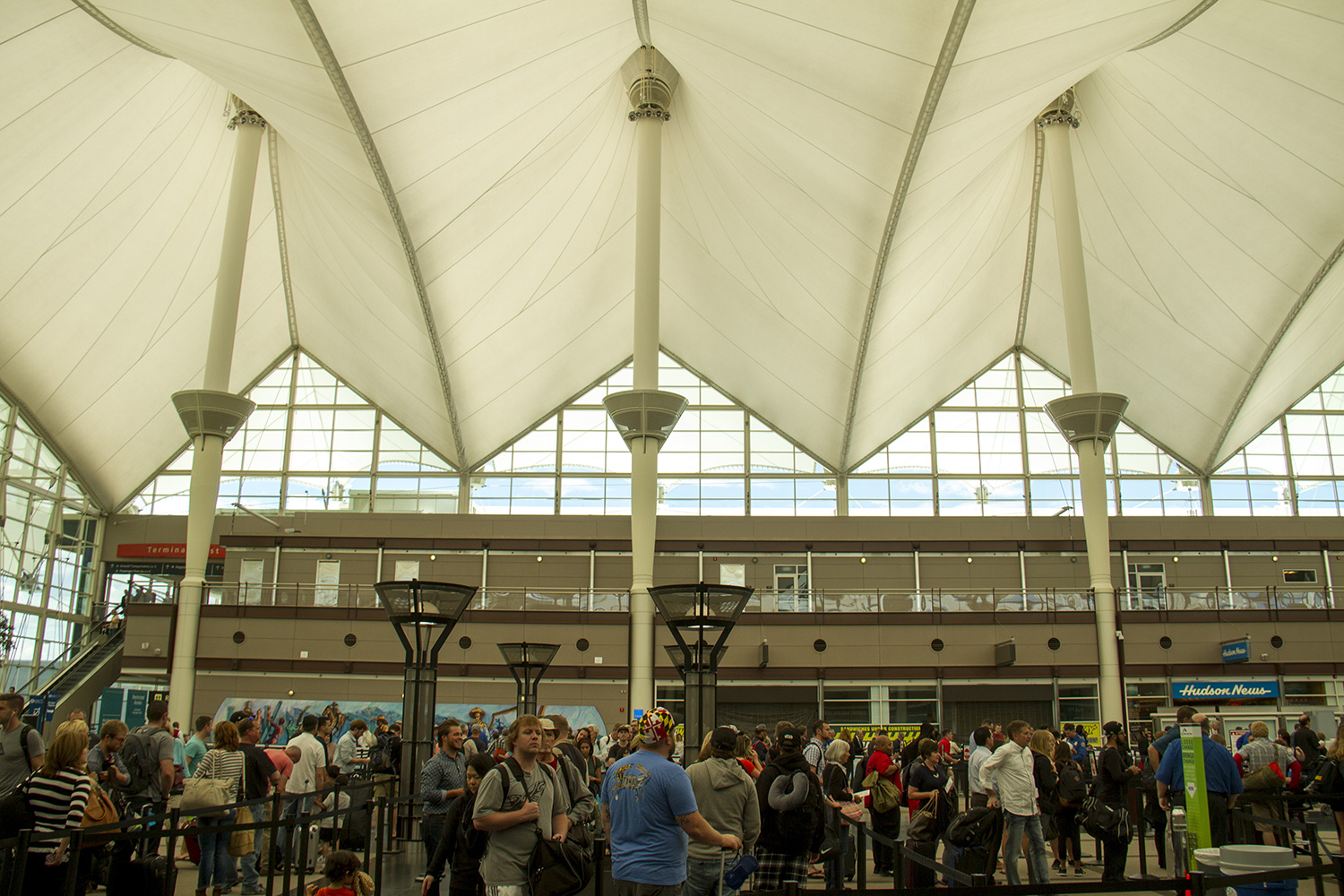 Security lines at DIA. (Kevin J. Beaty/Denverite)