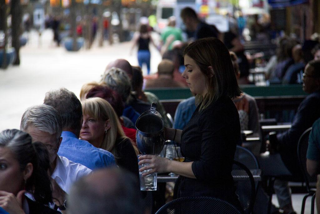 Diners enjoy the Paramount Cafe on the 16th Street Mall. (Kevin J. Beaty/Denverite)  central business district; 16th street mall; sixteenth street; dining; food; restaurants; patio; entertainment; denver; denverite; colorado; kevinjbeaty