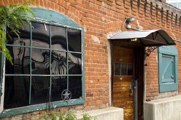The last cottage on Division Street. (Kevin J. Beaty/Denverite)  denver; cottage; home; house; colorado; denverite; kevinjbeaty; real estate; lodo;