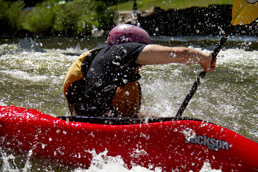 Shane Tucker, 27, takes on South Platte River rapids at Confluence Park in his first ever attempt at kayaking. (Kevin J. Beaty/Denverite)  confluence park; platte river; kayak; sports; recreation; denver; denverite; colorado; kevinjbeaty