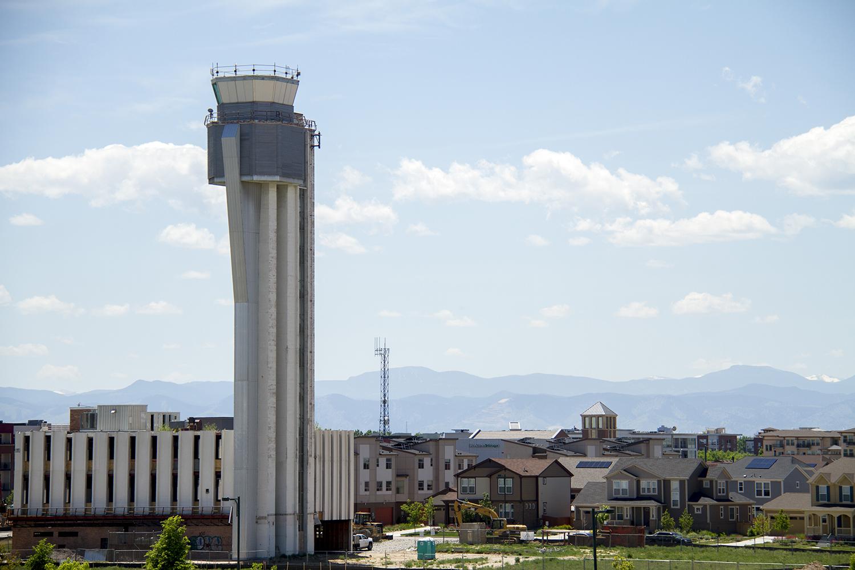 Stapleton Airport's old air traffic control tower. (Kevin J. Beaty/Denverite)