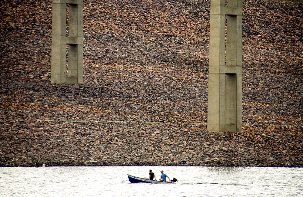 Boaters on Chatfield Reservoir. (Kevin J. Beaty/Denverite)  chatfield; reservoir; water; lake; denver; littleton; denverite; kevinjbeaty