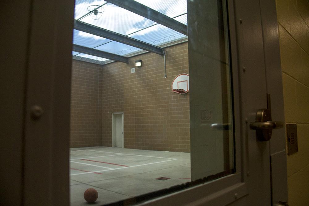 A recreation yard at the Douglas County jail. (Kevin J. Beaty/Denverite)
