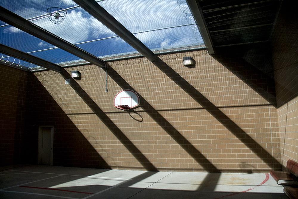 A recreation yard at the Douglas County jail. (Kevin J. Beaty/Denverite)  jail; castle rock; detention; justice; law; kevinjbeaty; denverite; colorado;