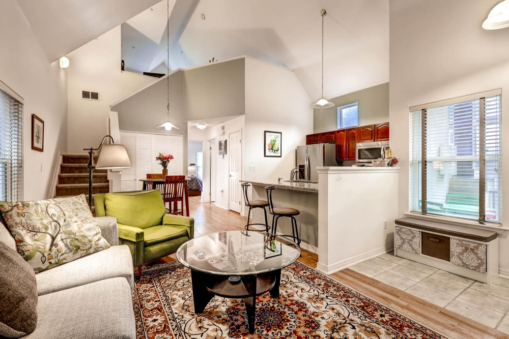 Many angles await you in 1641 Washington Street. (Courtesy of Starbuck Realty Group)