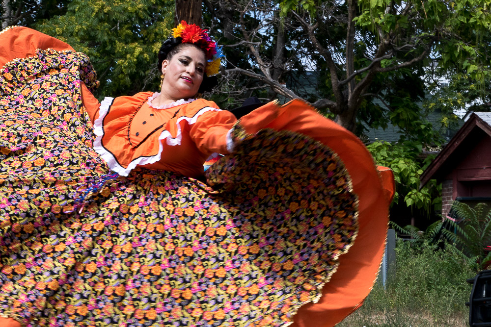Fiesta Denver dances at West Colfax Neighborhood Festival (Chloe Aiello/Denverite)