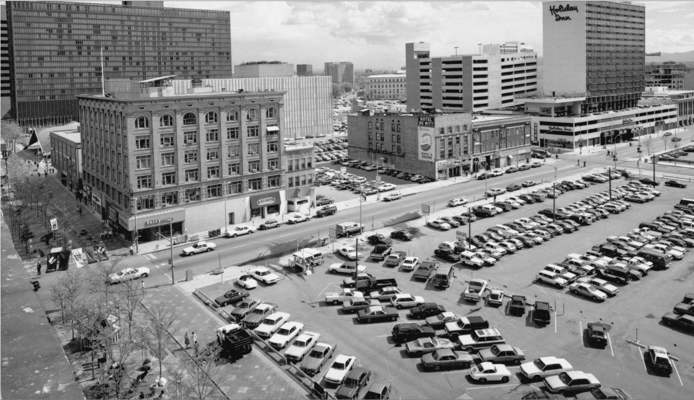 A huge parking lot on 16th Street near Glenarm Street. (Roger Whitacre/Denver Public Library/Roger Whitacre photograph collection/Z-10470)