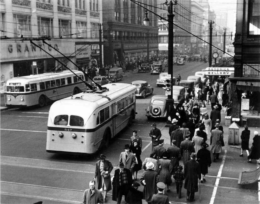 Electric trolley buses drive 16th Street circa 1940s. (Denver Public Library/Western History Collection/X-23364)