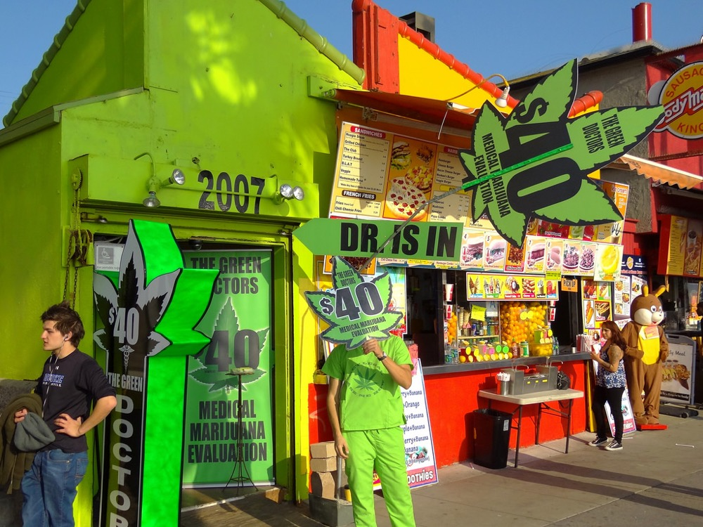 A marijuana shop in Venice Beach, California. (Flickr/Adam Jones/CC BY-SA 2.0)