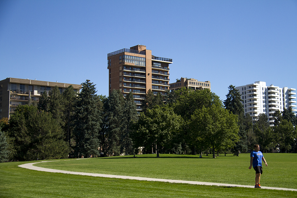 Cheesman Park high rises. (Kevin J. Beaty/Denverite)  residential real estate; house; home; cheesman park; denver; denverite; kevinjbeaty; colorado;