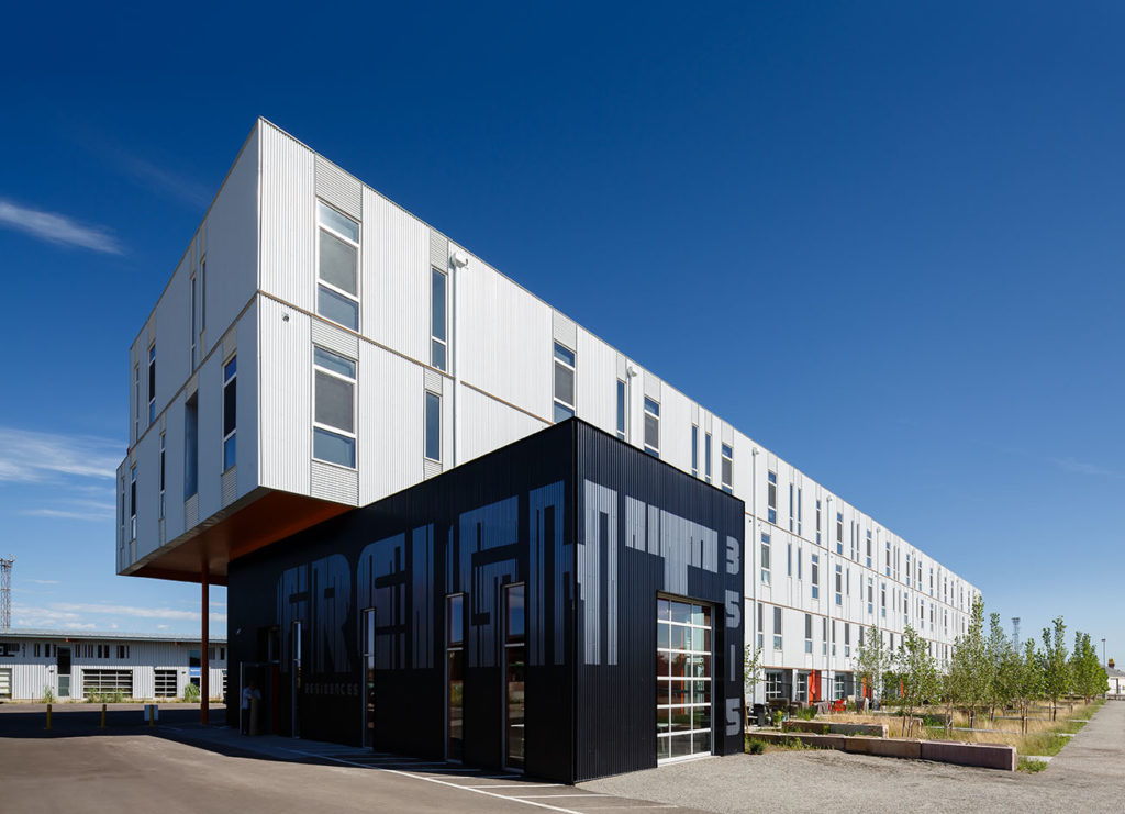 This building won an award. (Courtesy of Dynia Architects)