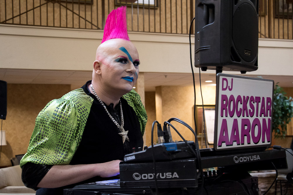 Denver Retro Con comes to the Ramada in Northglenn. (Chloe Aiello/Denverite)