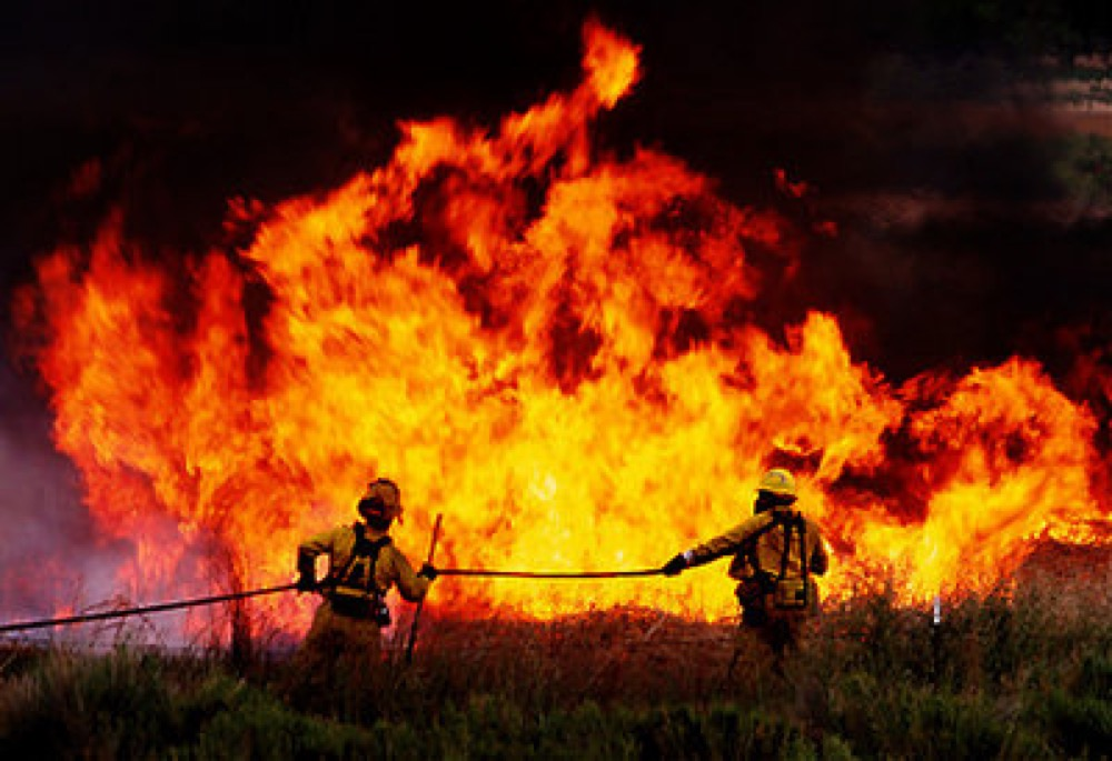 Firefighters on federal land. (U.S. Fish and Wildlife Service/Flickr)