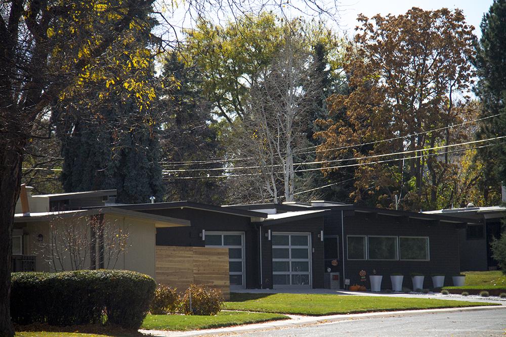 A mid-modern home on S. Edison Way in Virginia Village. (Kevin J. Beaty/Denverite)  virginia village; denver; residential real estate; houses; midmod; denverite; kevinjbeaty;
