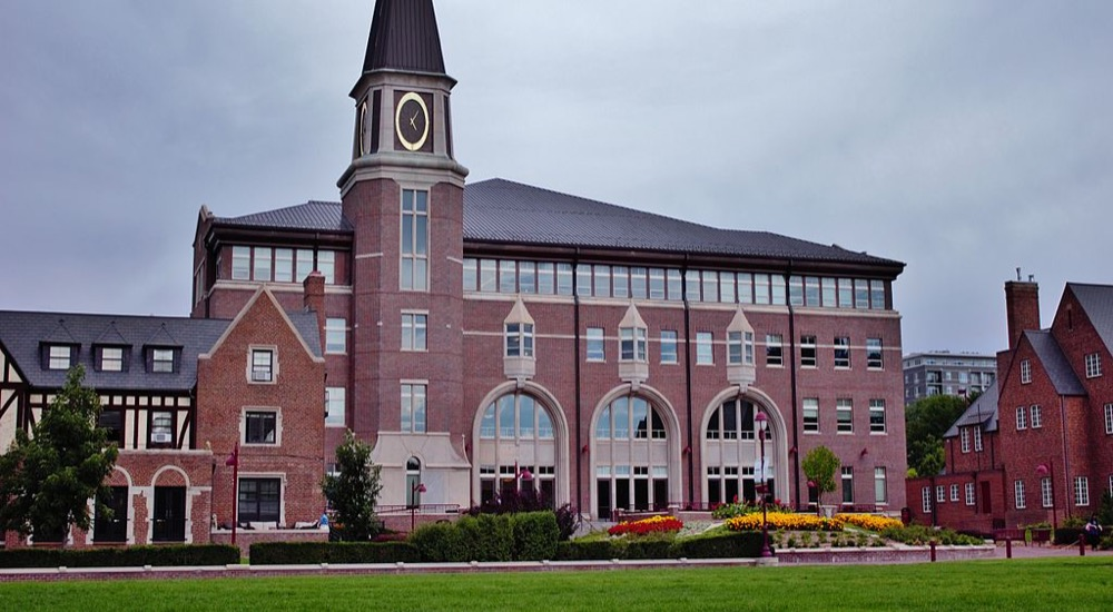 The University of Denver's Sturm College of Law. (Cooopersmith/Wikimedia Commons)