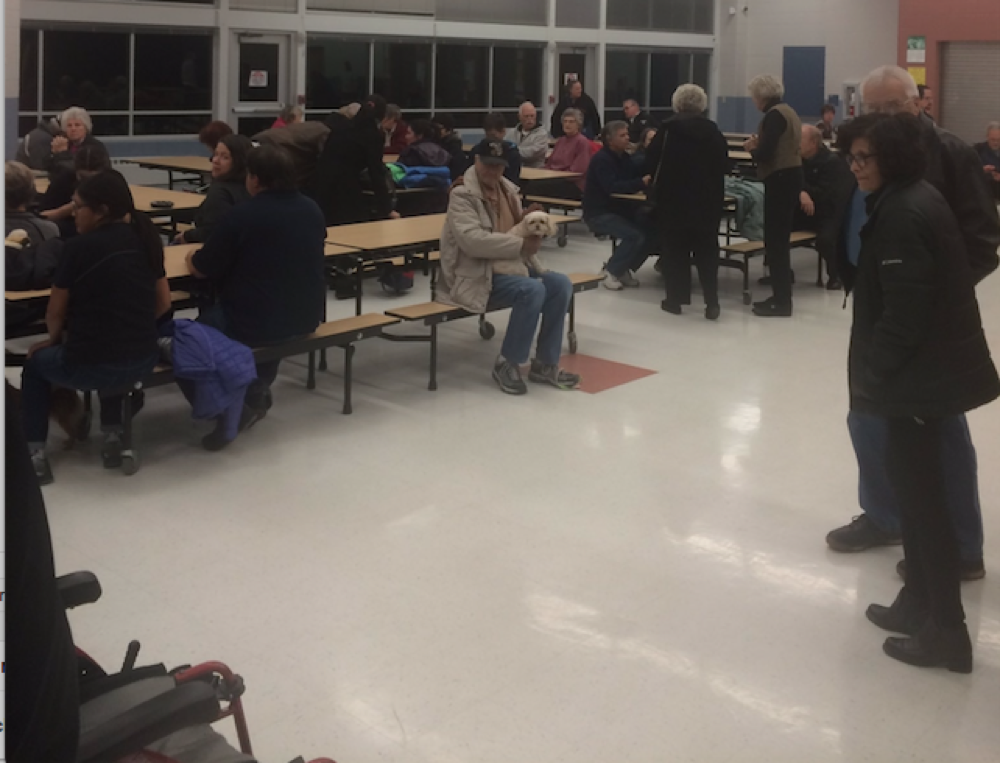 Evacuees from the Green Mountain Fire at Creighton Middle School. (Jefferson County Schools)