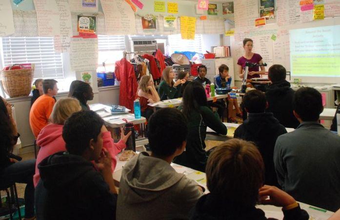 Slavens K-8 converted its teachers' lounge into a middle-school Spanish classroom. (Melanie Asmar/Chalkbeat)