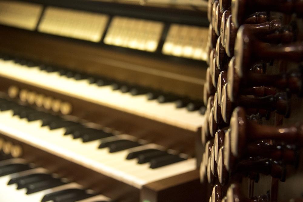 The original organ. Christmas Eve at Trinity United Methodist Church, 2016, their 152nd anniversary. (Kevin J.Beaty/Denverite)  christmas eve; holidays; downtown; kevinjbeaty; denver; denverite; colorado;
