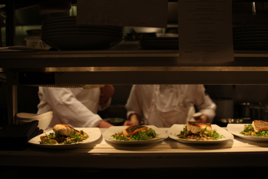 Kitchen staff. (Ana Orrach/Flickr)