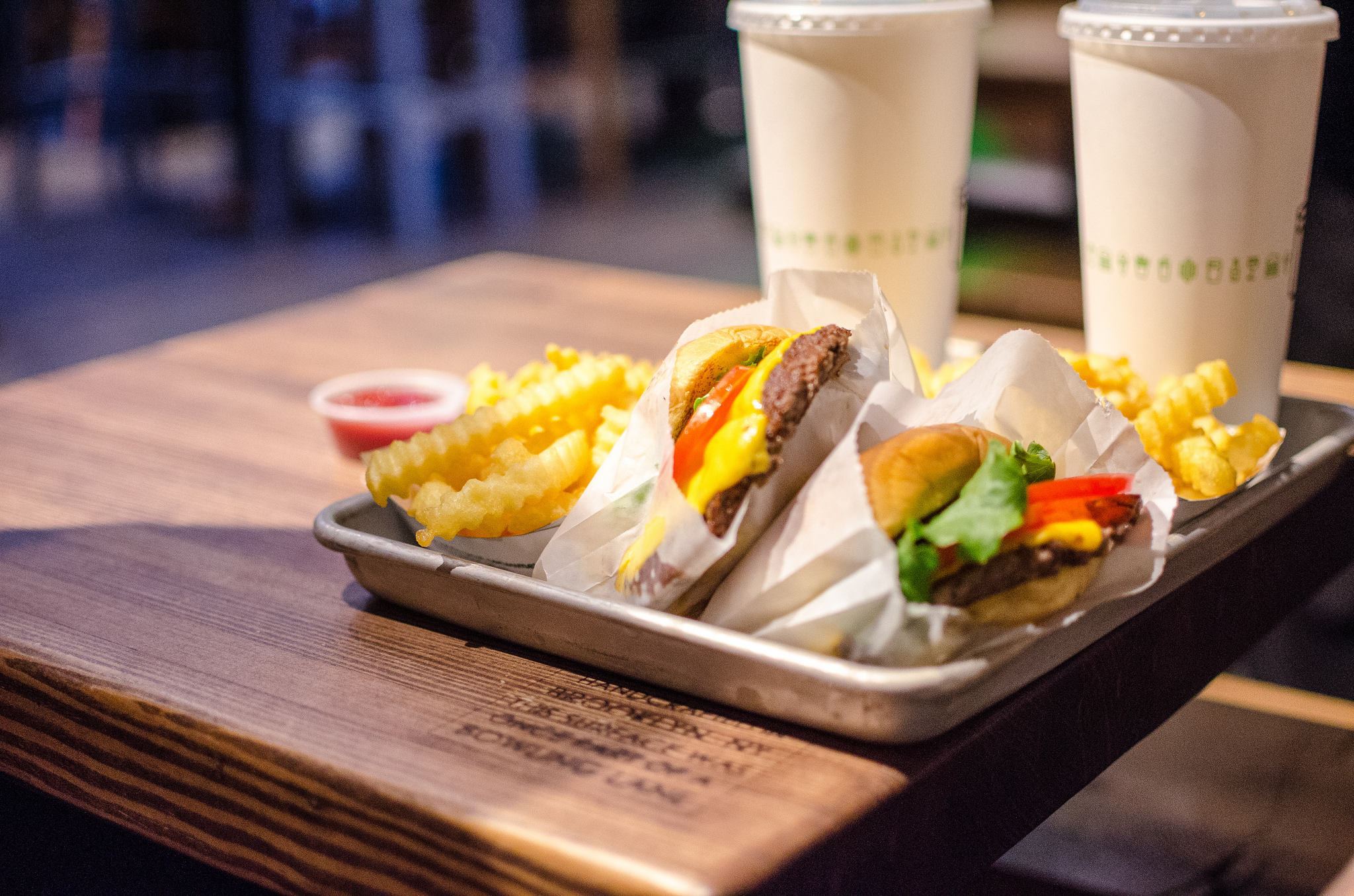 A meal at Shake Shack. (m01229/Flickr)