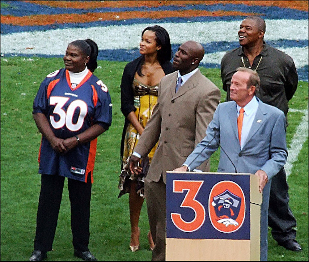 Terrell Davis (center) is a Pro Football Hall of Fame finalist for the third time. (Jeffrey Beall/Flickr)