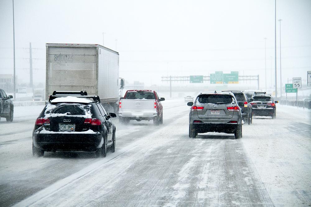 Snowy I-70. Jan. 5, 2016. (Kevin J. Beaty/Denverite)  snow; weather; cowx; denverite; denver; colorado; kevinjbeaty;