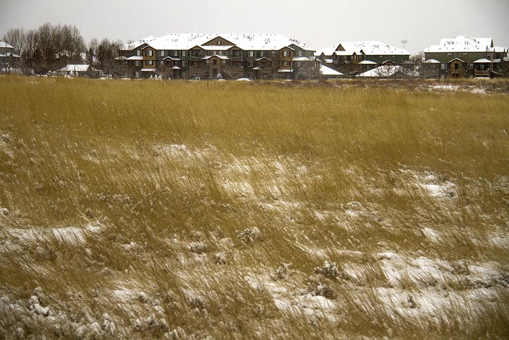 Houses in Aurora, seen from I-70. Jan. 5, 2016. (Kevin J. Beaty/Denverite)