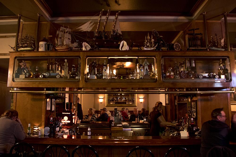 Charlie Brown's Bar and Grill in the Colburn Hotel. (Kevin J. Beaty/Denverite)  historic; history; bars; nightlife; drinking; kevinjbeaty; denverite; colorado; denver; food;