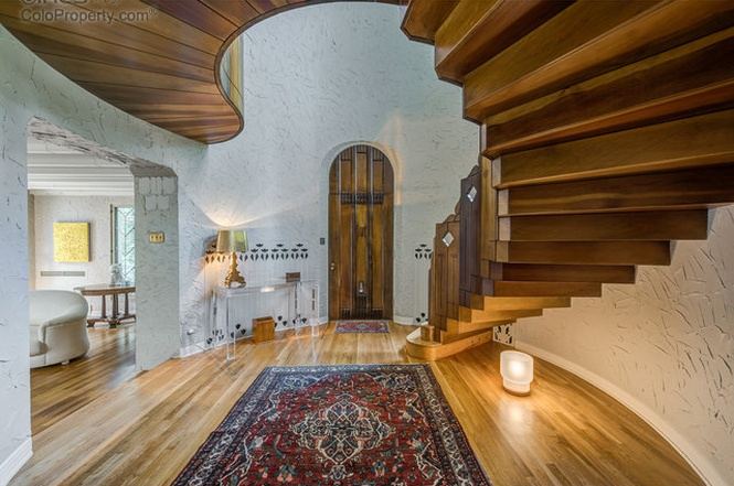 The custom staircase of 1790 Forest Parkway. (Courtesy of Redfin)
