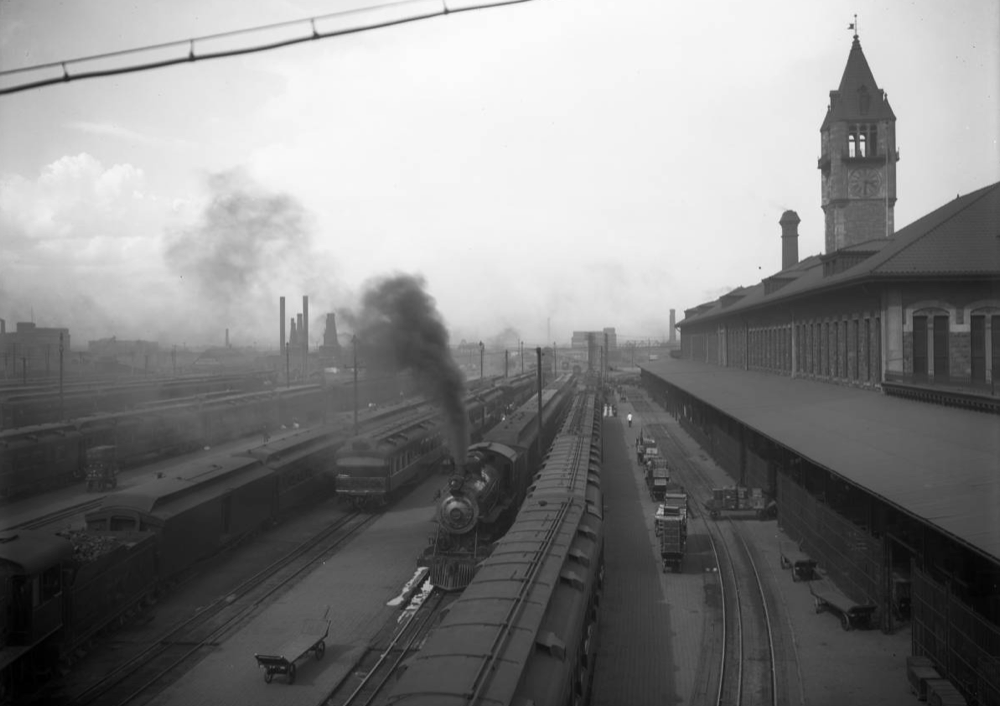 The view from the 16th Street viaduct near Union Station. (George L. Beam/Western History and Genealogy Department/Denver Public Library)