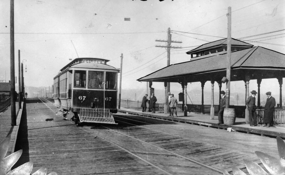 A Denver Tramway car on the Golden route near a stop on the 16th Street Viaduct in 1922. (Western History and Genealogy Department/Denver Public Library)