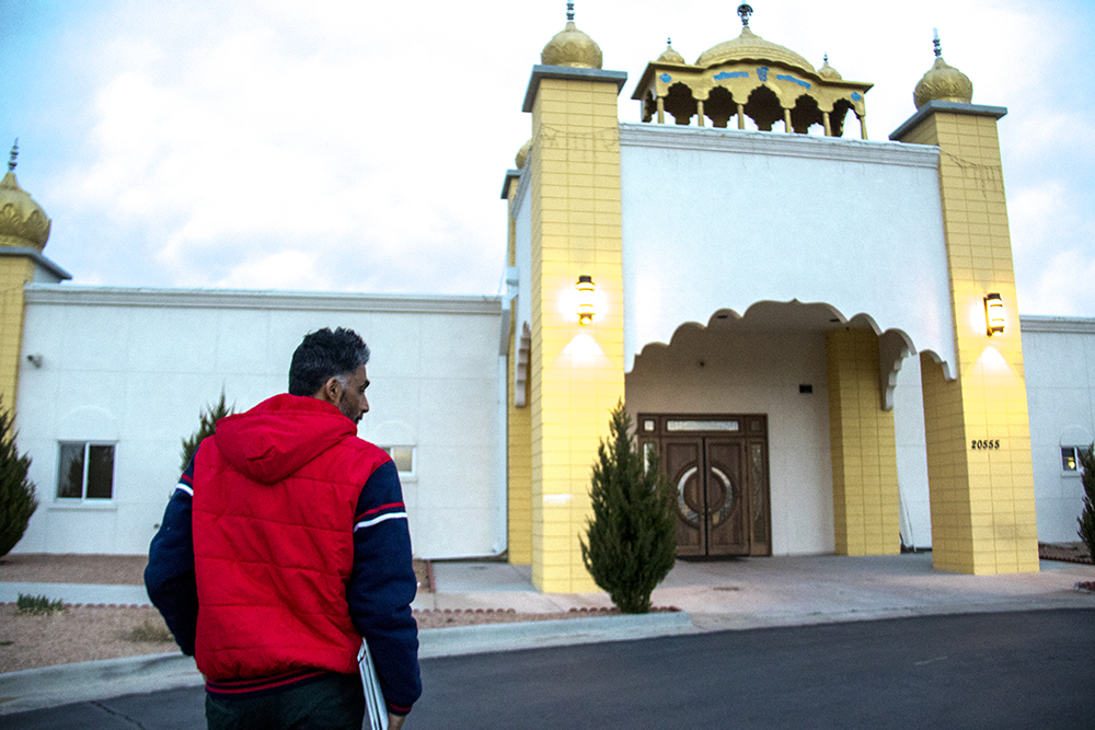 Jaspreet, an asylee from from India, arrives at Colorado Singh Sabha, a Sikh temple, the night of his release. March 22, 2017. (Kevin J. Beaty/Denverite)  immigration; denver; denverite; colorado; kevinjbeaty; ob fon; Colorado Singh Sabha; sikh;