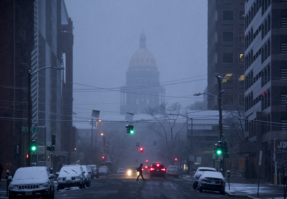 A cold and dreary April morning. (Kevin J. Beaty/Denverite)  denver; colorado; kevinjbeaty; denverite; snow; cowx; weather; cold; capitol; capitol building; gold dome;