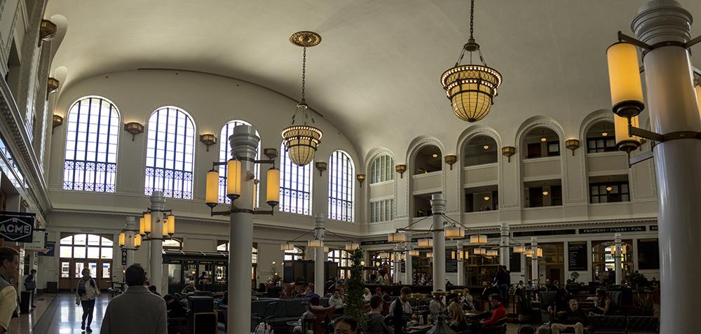 A bustling Union Station. (Kevin J. Beaty/Denverite)  denver; doors open; denverite; colorado; kevinjbeaty; union station;