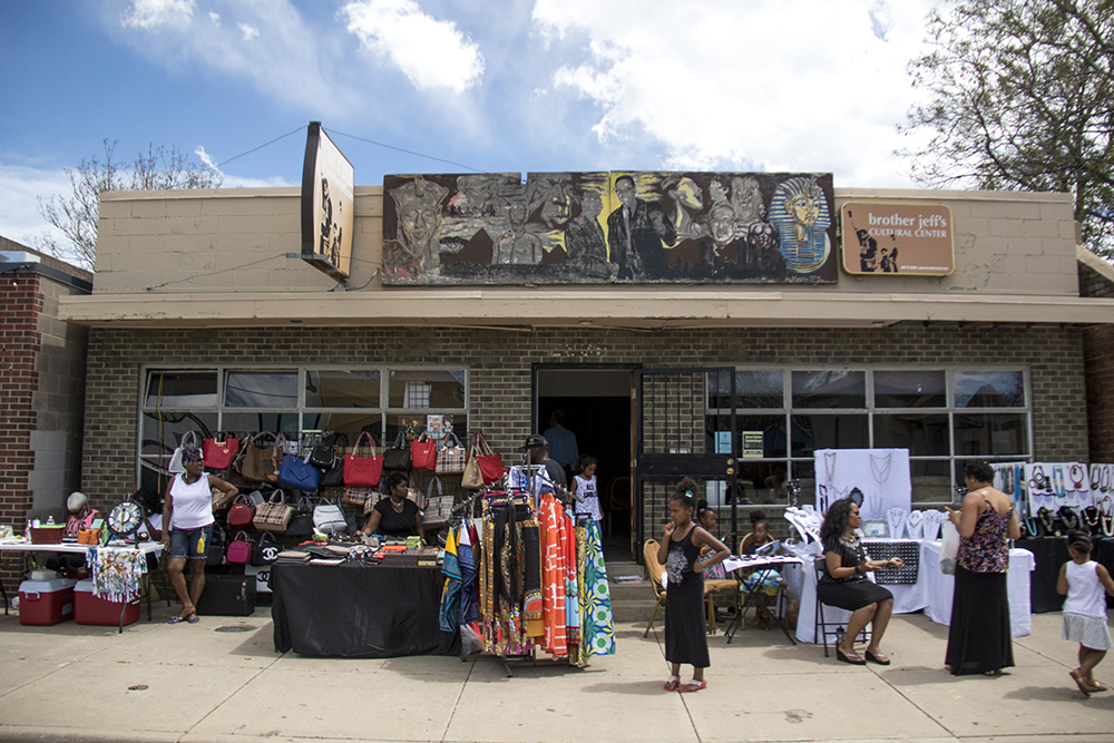 Black Dollar Saturdays at Brother Jeff's Cultural Center in Five Points, May 13, 2017. (Kevin J. Beaty/Denverite)  brother jeff's cultural center; five points; mother's day; kevinjbeaty; denver; denverite; colorado;
