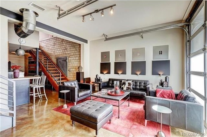 The interior of 1421 Oneida Street, #2. (Courtesy of Redfin)