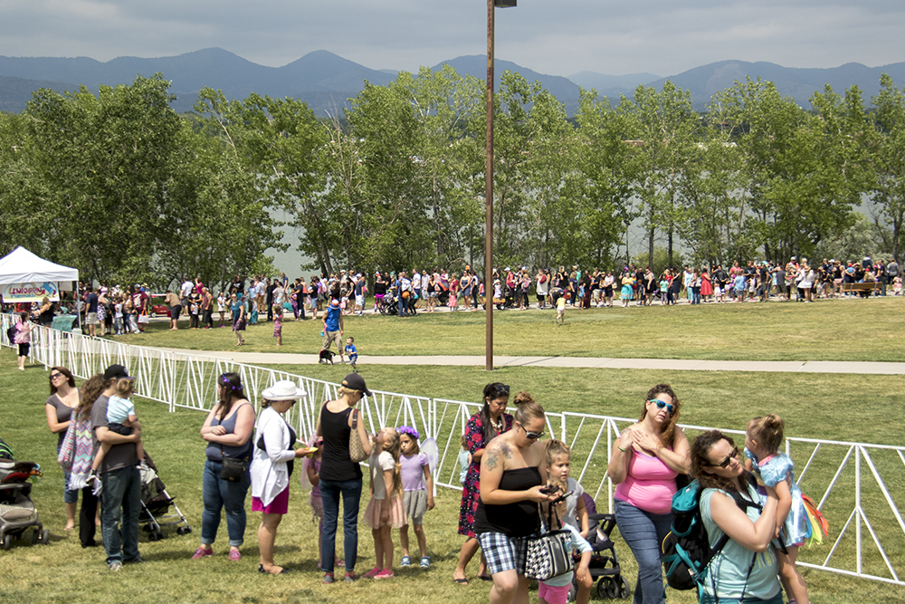 Long lines meant a lot of demand for unicorns. The first-annual Unicorn Festival in Clement Park, Littleton. (Kevin J. Beaty/Denverite)  colorado; kevinjbeaty; unicorn festival; denverite; littleton; whimsy; summer;