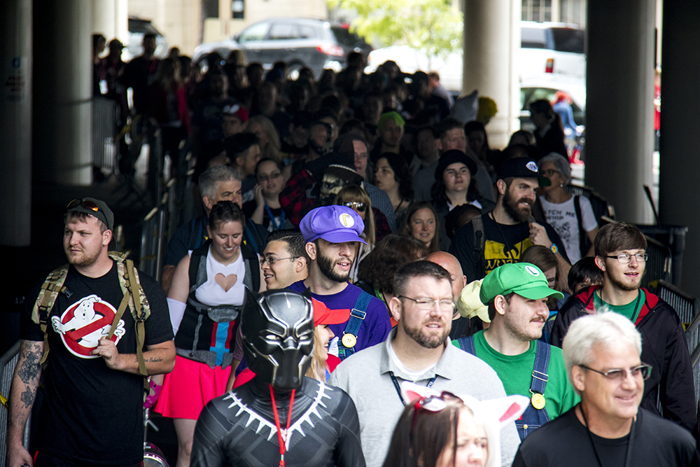 A seemingly never-ending line of Denver Comic Con attendees.