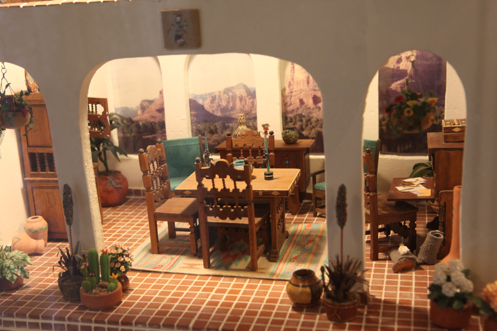 A southwestern dollhouse. (Andrew Kenney/Denverite)