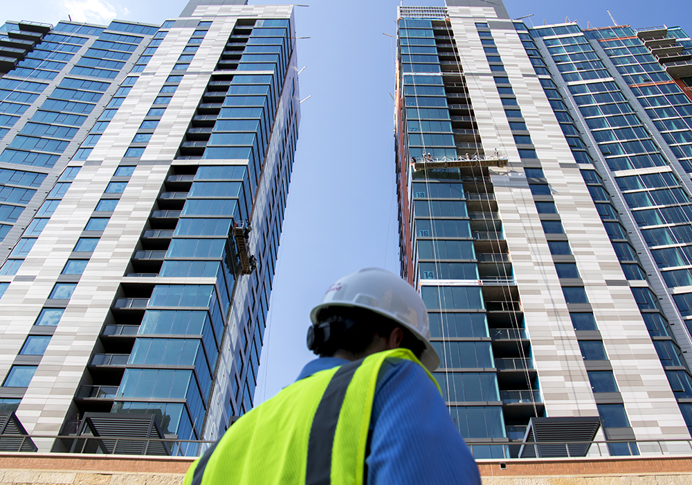 A tour of the newly-completed Country Club Towers, given by the Denver Architectural Foundation, Aug. 16, 2017. (Kevin J. Beaty/Denverite)  country club towers; residential real estate; apartment building; denver; colorado; denverite; kevinjbeaty; denver architectural foundation;