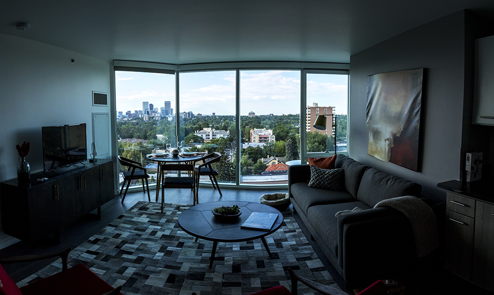A one-bedroom apartment insde the newly-completed Country Club Towers, Aug. 16, 2017. (Kevin J. Beaty/Denverite)  country club towers; residential real estate; apartment building; denver; colorado; denverite; kevinjbeaty; denver architectural foundation;