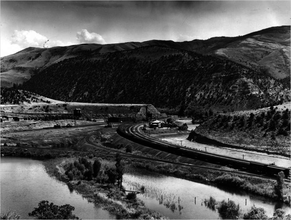 The tracks of the Denver & Rio Grande Railroad follow the bends of the Colorado River in Bond, Colorado, in Eagle County. (E.T. Bollinger collection/Western History & Genealogy Dept./Denver Public Library)