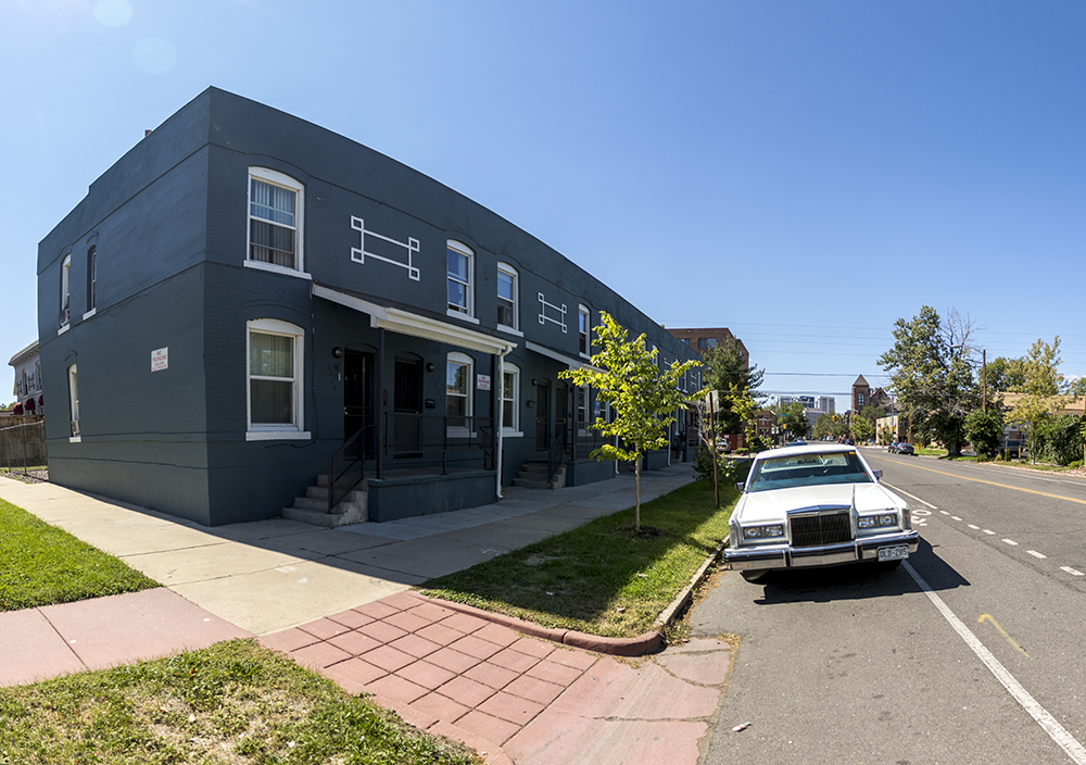 The apartment building where Asia Dorsey grew up near the intersection of 21st Avenue and Downing Street. Sept. 18, 2017. (Kevin J. Beaty/Denverite)  denver; colorado; denverite; kevinjbeaty; city park west; residential real estate; gentrification;