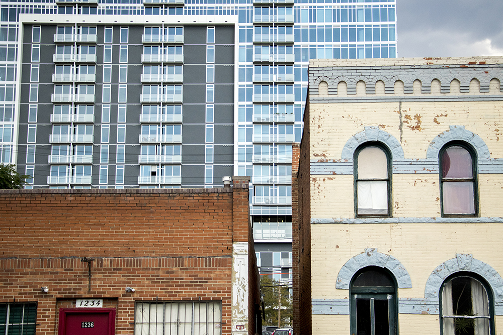 Old and new homes in the Golden Triangle. (Kevin J. Beaty/Denverite)