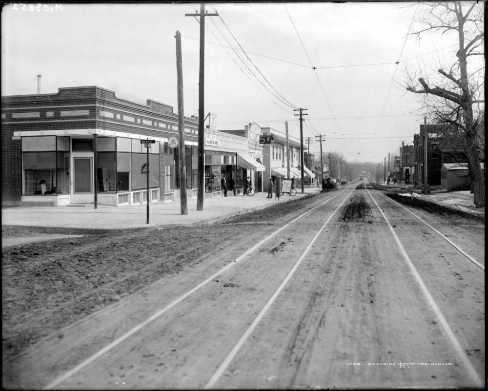 A view of 32nd Avenue in Denver sometime between 1910 and 1930 near the intersection of Mead Street. (Louis Charles/Denver Public Library/MCC-3852)