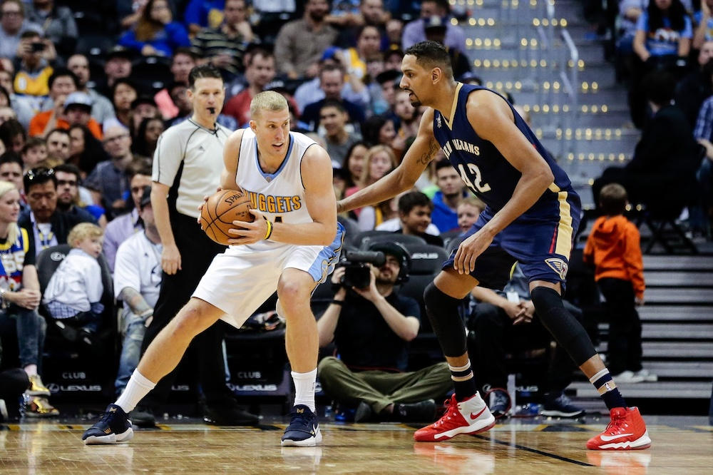 Mason Plumlee and the Nuggets agreed to a three-year deal Sunday. (Isaiah J. Downing/USA Today Sports)