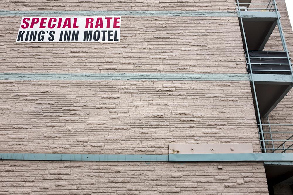 The King's Inn Motel on East Colfax Avenue in Aurora. (Kevin J. Beaty/Denverite)  denver; colorado; denverite; kevinjbeaty; colfax; motel; aurora;