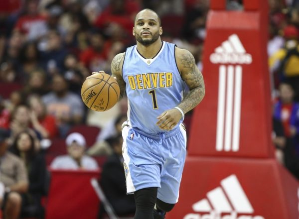 The Nuggets will reportedly part ways with Jameer Nelson, above, to make room for Richard Jefferson. (Troy Taormina/USA Today Sports)