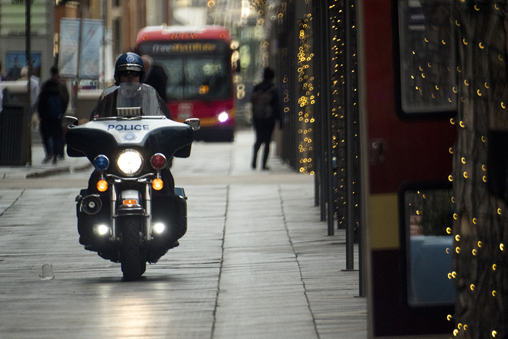 A police motorcycle on the 16th Street Mall, Nov. 29, 2017. (Kevin J. Beaty/Denverite)
