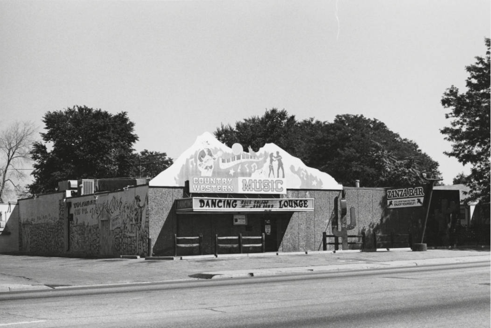 View of Zanza Bar at 10601 E. Colfax in Aurora in 1987. (Thomas Noel/Western History & Genealogy Dept./Denver Public Library/AUR-881)